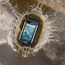 foto di uno smartphone rugged